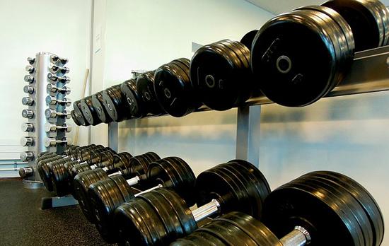 Boříme-mýty-o-hubnutí-dieta-posilování-jídelníček-aerobní-cvičení