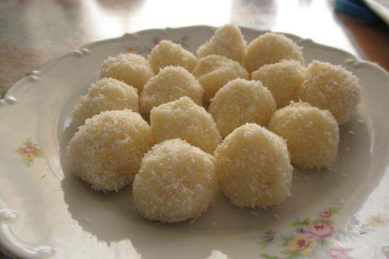 Rychlé kokosové kuličky Raffaello
