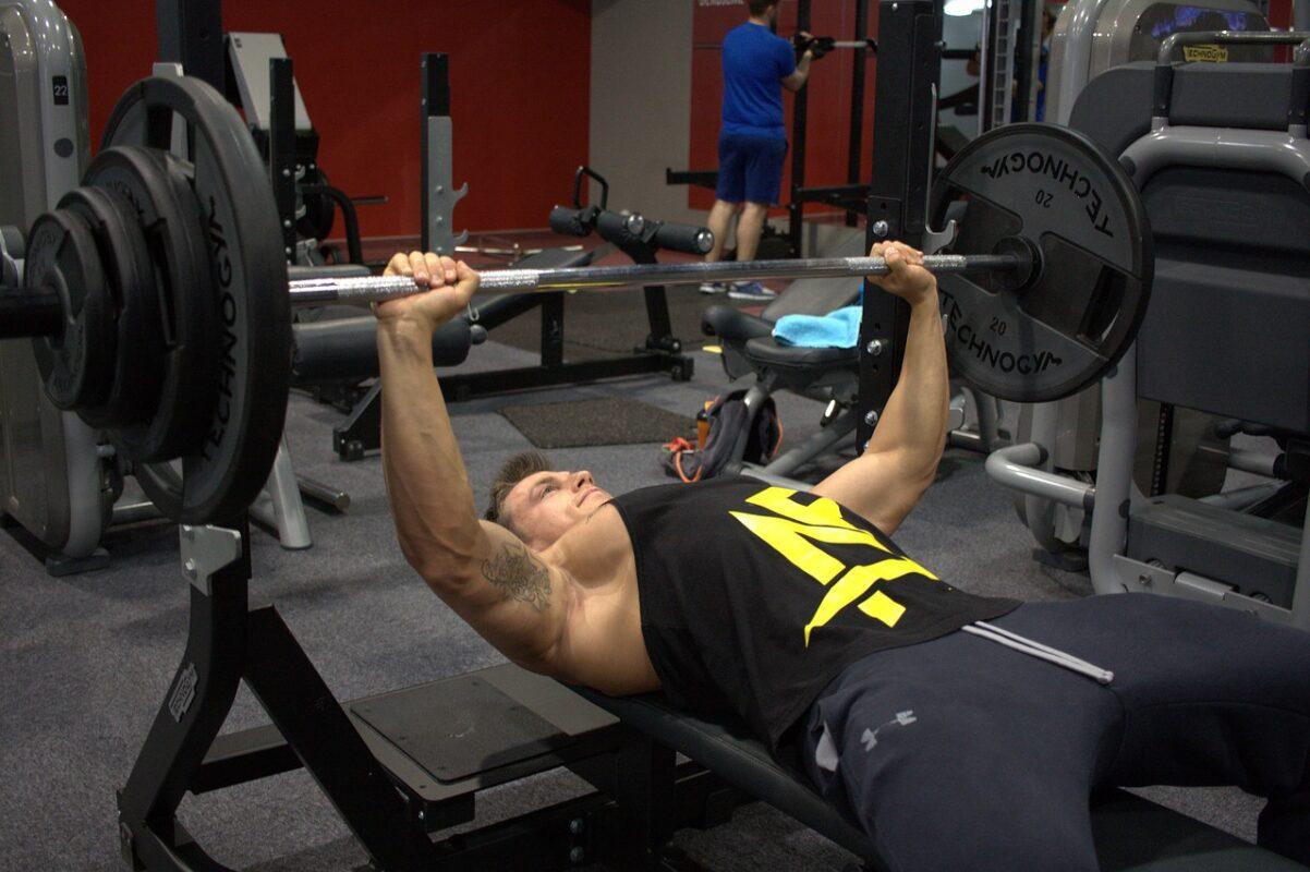 Nabírání svalové hmoty bez stravy a cvičení nejde