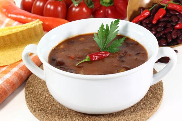Kuřecí guláš s fazolemi
