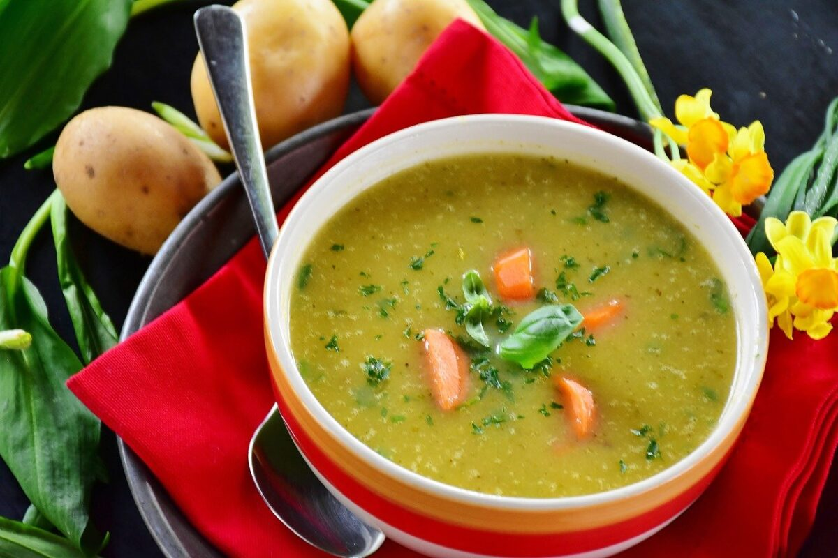 Bramborová polévka s česnekem